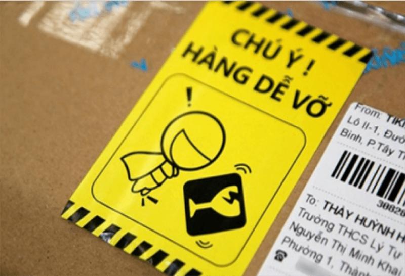 Cẩn thận ghi chú các loại hàng hóa sau khi đóng gói