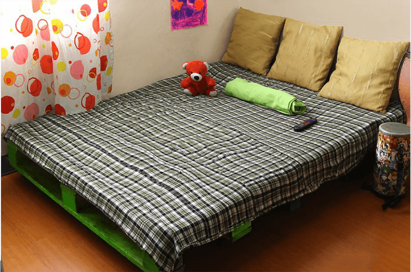 Giường gỗ pallet xinh xắn, chắc chắn cho bạn